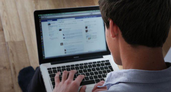 Poznámka: Urobia digitálne technológie z ľudí závislákov?
