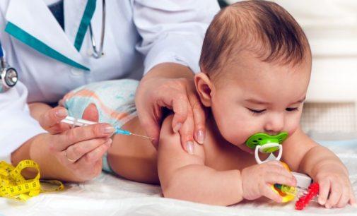 Páni doktori, podpíšete reverz pri očkovaní?